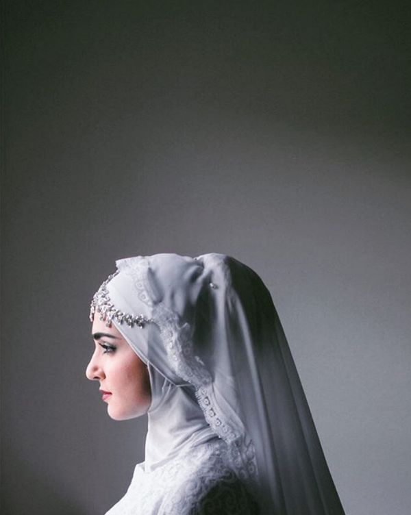 A collection of beautiful Muslim brides wearing hijabs. | Shab Coop Photography on @southasianbride via @aislesociety