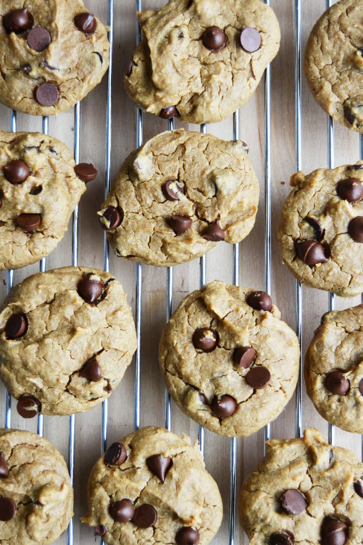 Best Chickpea Chocolate Chip COokies #Vegan #GlutenFree
