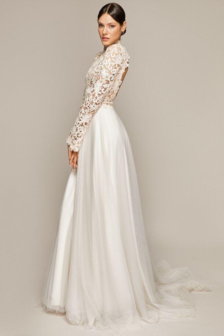 Maßgeschneidertes Brautkleid // ÁVA FONTE  Hochzeitskleid