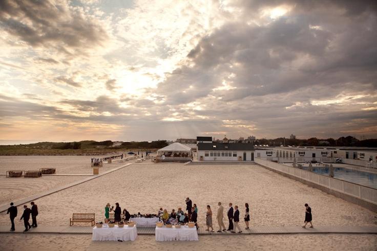 Elizabeth sean lawrence beach club new york wedding for Beach weddings in ny