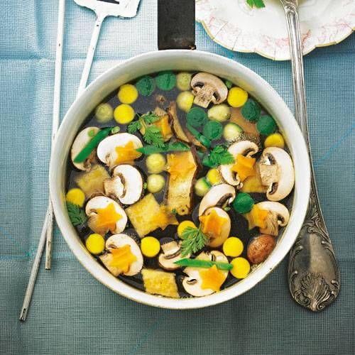die besten 25 klare suppe mit eierstich ideen auf pinterest klare gem sesuppe kochen klare. Black Bedroom Furniture Sets. Home Design Ideas