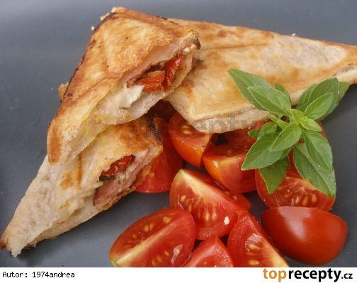 Plněné rychlošátečky z toastovače (sendvičovače)