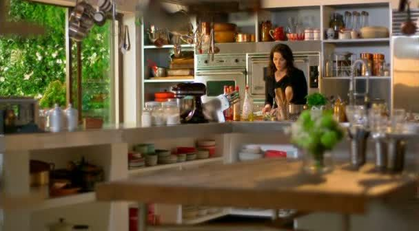 i love nigella's new kitchen 1 | houses | pinterest