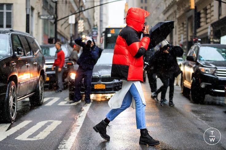 MODA ANTI FRÍO / 5 ABRIGOS EN ROJO / LACE AND ROLL    Los tonos pálidos en rosa, más la paleta del nude al camel, protagonizaron la temporada junto con el negro, tímidamente los metalizados - se vieron pocas prendas en los percheros locales- y  por otro lado, el rojo como la más cálida opción, aquí 5 propuestas vista por las calles de New York para copiar ideas de cómo llevarlo.