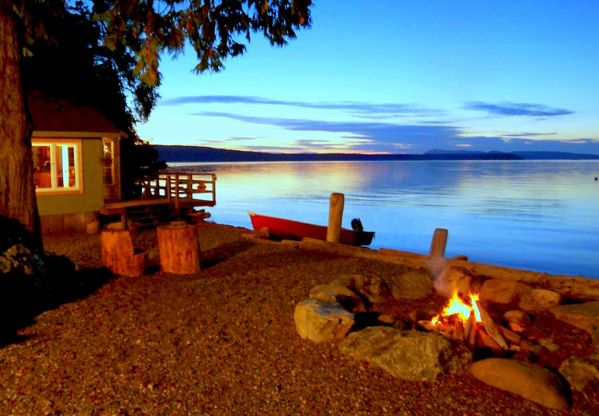 boathouse on orcas island is a cozy vacation rental cabin right on the beach of a protected bay