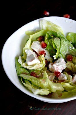 O Salata delicioasa cu dressing de rodie