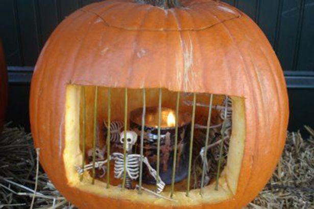 54 best Halloween images on Pinterest Halloween decorations - halloween outside decoration ideas