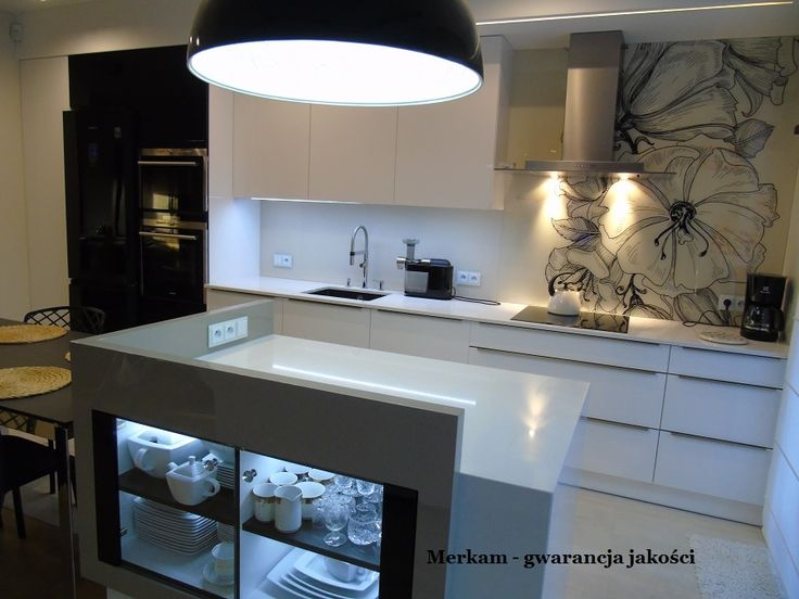 Białe blaty kuchenne z granitu, marmuru, kwarcogranitu