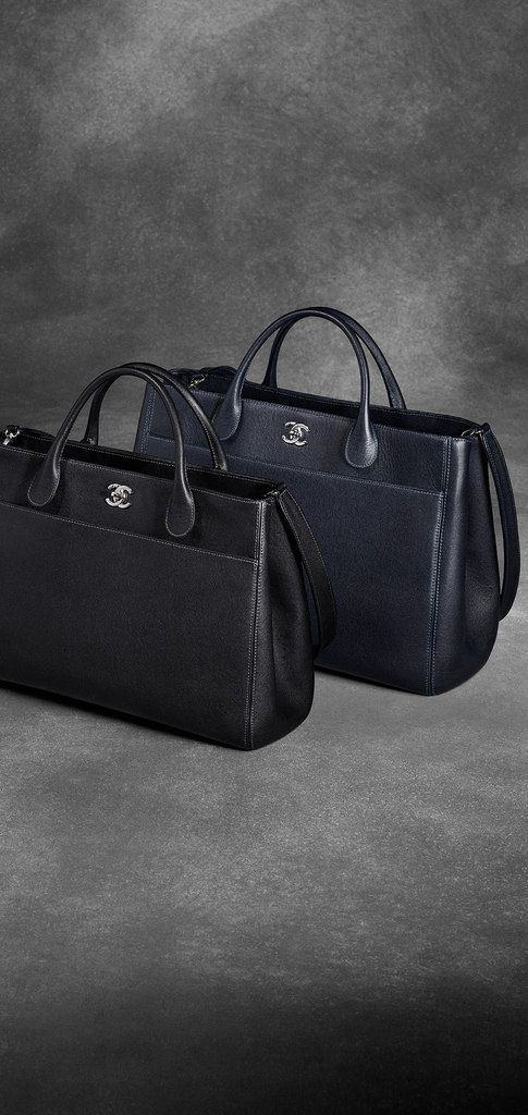 Grained calfskin shopping bag with... - CHANEL