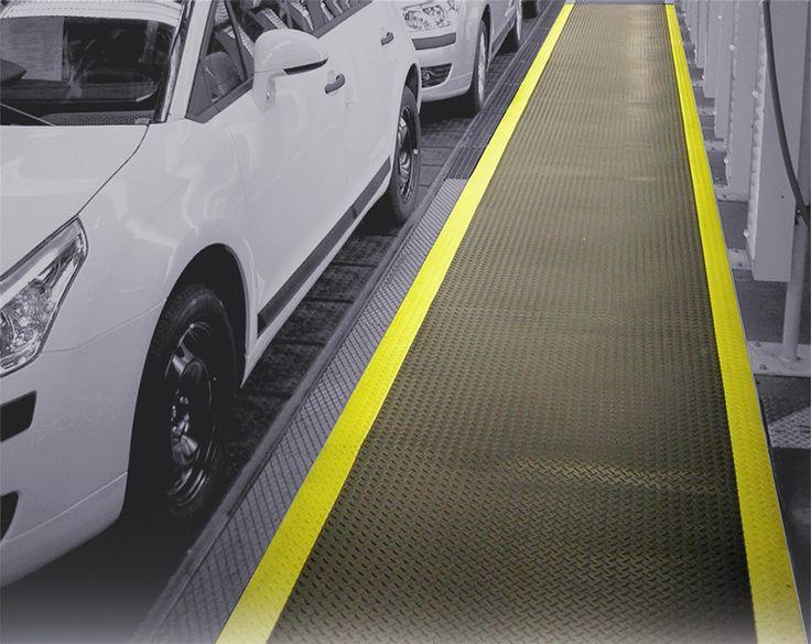 Dubilitatea, confortul si siguranta sunt combinate in barierele de praf Gapa. Covoarele industriale Gapa au fost dezvoltate pentru utilizatorii ce nu fac compromisuri atunci cand vine vorba de siguranta. http://www.profloor.ro/pardoseli/bariere-de-praf/