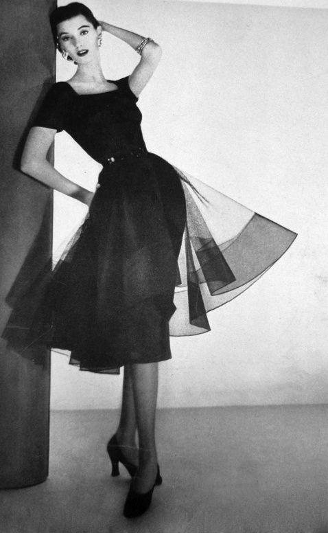 1951 Harzfelds Store Ben Reig Designed Omar Kiam Womens Black Dress Clothing Ad