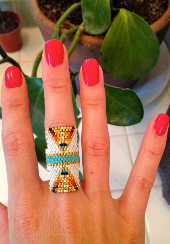 Native Beaded Ring por wildmintjewelry en Etsy