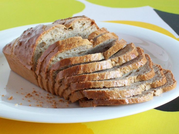 Simple and Fluffy Gluten-Free Low-Carb Bread Using Almond Butter, Whey Protein, Eggs, Baking Powder