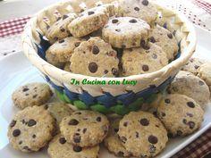 Biscotti con l'okara di mandorle e cioccolato