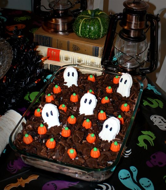 Try this yummy Ghost in the Graveyard Halloween Dessert Idea!