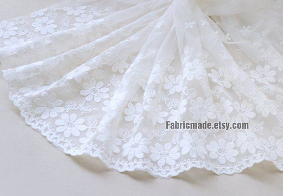 LACE TRIM BY THE YARD 4 INCHES OFF WHITE RUFFLED LACE FOR CRAFTS CURTAINS BRIDE