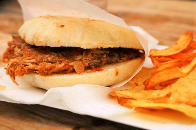 ©2016FinoMagazin Tepett Malac Burger(プルドポーク バーガー)