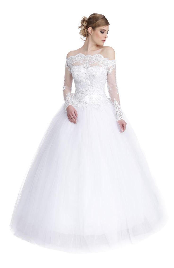 """Robe Ludivine : une réinterprétation de la robe de mariée du film """"Un Mariage de Princesse""""."""