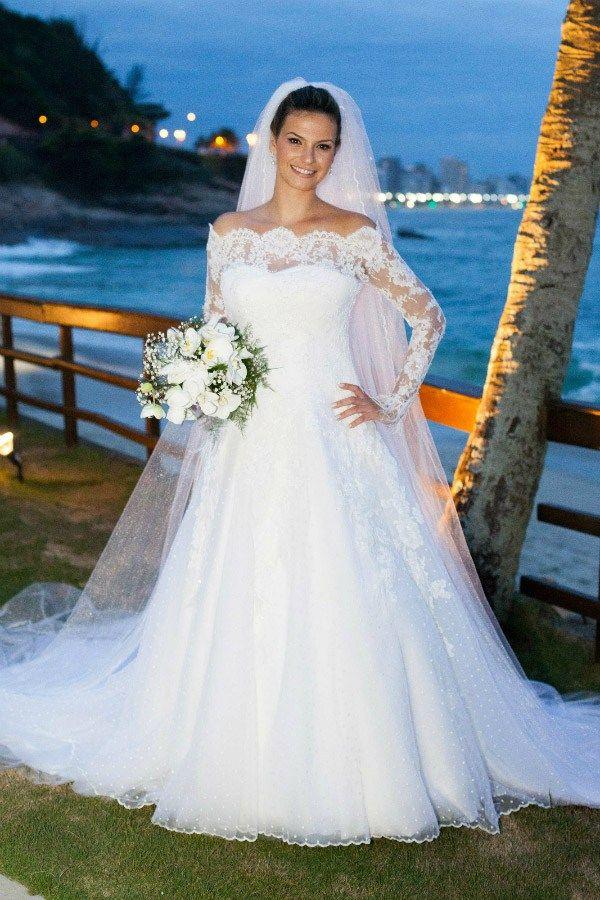Carol-Hungria---Tule-point-desprit---Noiva-Eduarda-Moreira---Foto-Fabricia-Soares