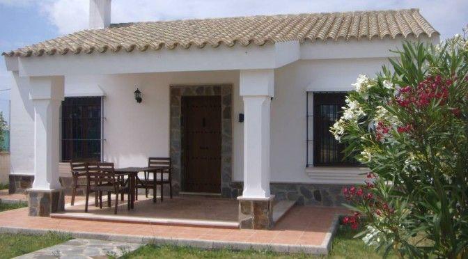 Casa rural peque a estilo colonial fachadas de casas - Fachadas casas rurales ...