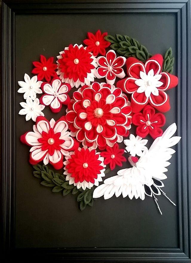【再販】お花畑に幸運の鶴 つまみ細工