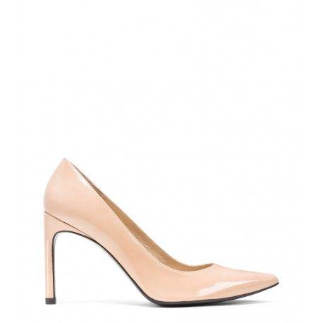 Stuart Weitzman The Heist Pump Adobe Patent #ss16 #shoes #celebrities