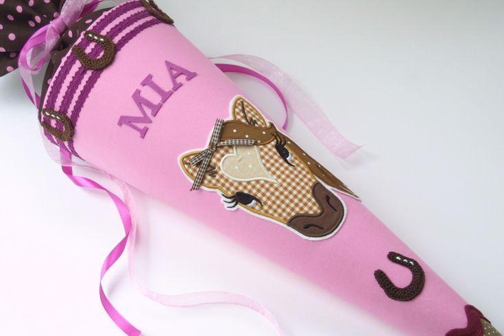 Zauberhafte Schultüte * Pferd mit Hufeisen 2 von Das Werk der Feen auf DaWanda.com