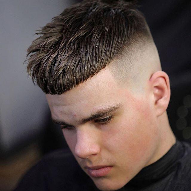 75 Manner Kurze Verblassende Frisur In 2020 Coole Frisuren Styling Kurzes Haar Frisur Undercut