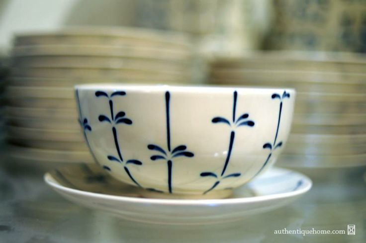 #White #Christmas #Xmas #BatTrang #bowl #floral #dragonfly #pattern #Authentique #Home # - The #colour between #ocean #blue and #indigo. All our #ceramics #patterns are #handpainted.
