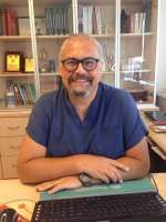 Doç. Dr. Haluk KULAKSIZOĞLU İstanbul'da Üroloji alanında hastalarına sağlık hizmeti vermektedir.  Randevu Hattı 0 (850) 433 41 94
