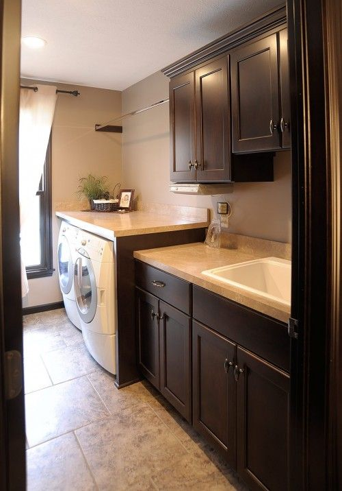 Laundry room: Dreams Laundry Rooms, Cabinets Colors, Dark Cabinets, Mud Rooms, Sinks, Laundry Rooms Design, Dark Wood, Rooms Ideas, Mullets Cabinets