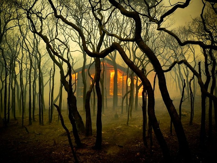 Margaret River bush fire - This Orchid ramble home engulfed in flames. (Sean Blocksidge)
