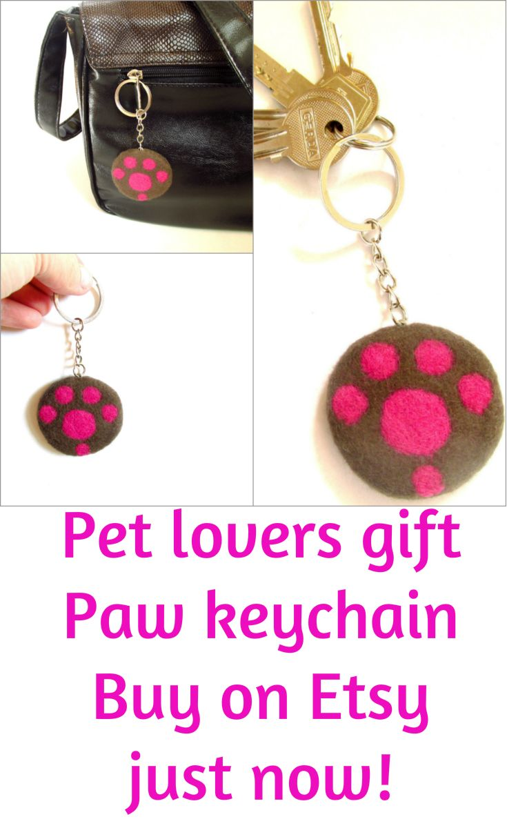 Paw keychain Bag charm  | puppets • hand puppets • finger puppets •kids gifts • kids toys • kids games • kids ideas • muppets • bibabo • puppet theater • puppet diy • puppets for kids to make • muppets funny • muppets party • muppet quotes • muppets birthday party | ★ bozhenafelt.etsy.com
