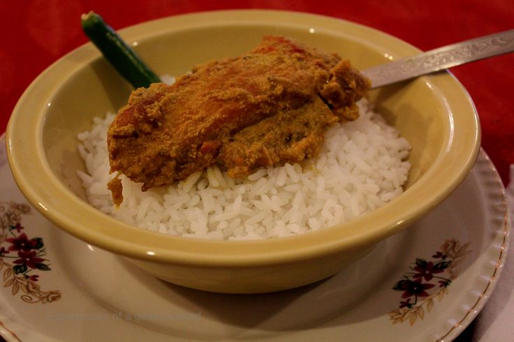 Rui posto (Rohu fish in poppy seeds gravy)
