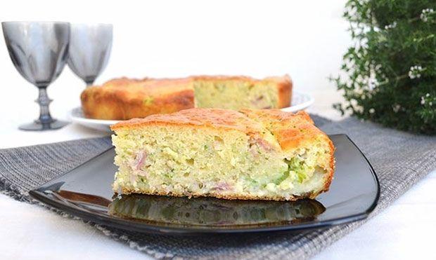 Gâteau salé aux 7 pots aux courgettes et jambon, un gâteau à servir en apéritif ou en entrée, facile et simple à réaliser avec votre Thermomix.