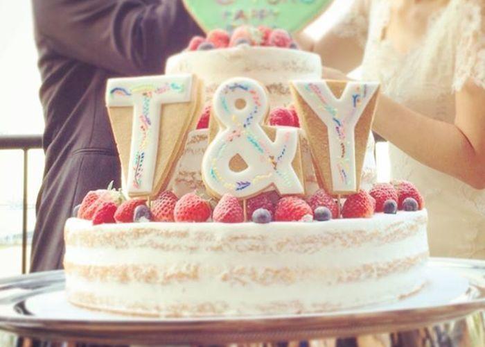 \ケーキの上に何乗せる?/ネイキッドケーキの〔ケーキトッパー〕人気ランキングベスト3♡のトップ画像