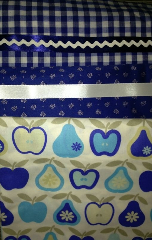 Be the blue apple. Dirndl fabric #dirndl