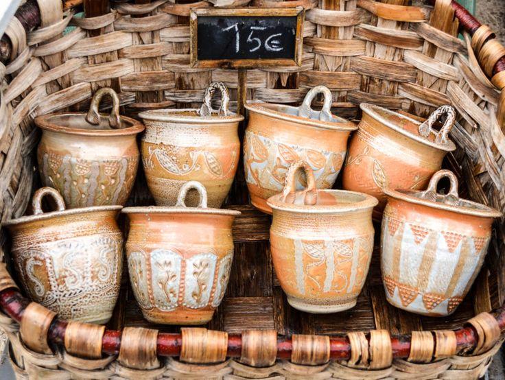 Easter Bonnieux Pottery Market