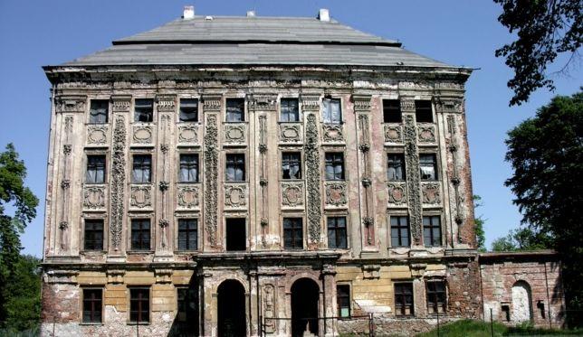 Polskie miejsca grozy - pałac Piotrkowice, Dolny Śląsk