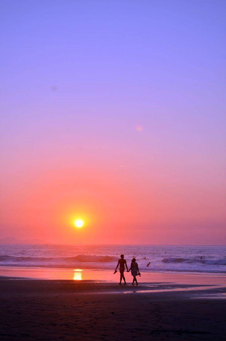 Disfrutar de impresionantes puestas de sol en las playas de #Cantabria #Spain