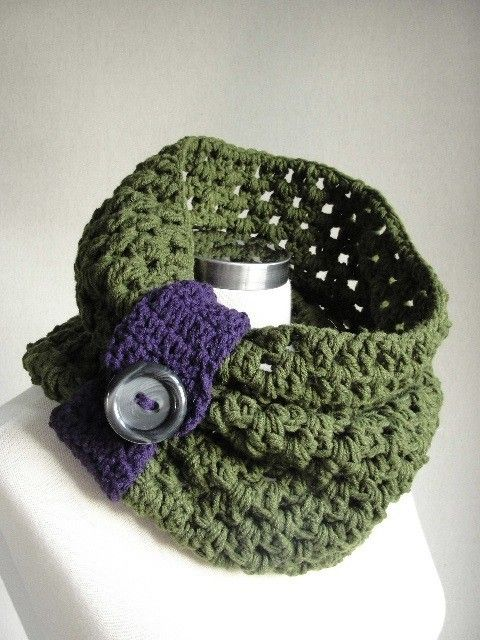 Green Chunky Scarf-Christmas Gift-Infinity Scarf-Cowl Scarf-Fall Scarf-Chunky Scarf-NeckWarmer-Circle Scarf-Loop Scarf