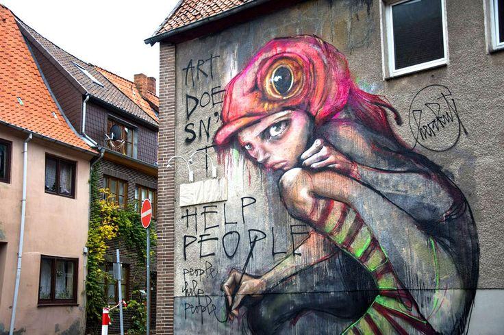 Arte não ajuda as pessoas.... ?  - 80 trabalhos de arte na rua que mudarão seu modo de ver as coisas http://www.creativeguerrillamarketing.com/guerrilla-marketing/guerrilla-street-art-inspiration/