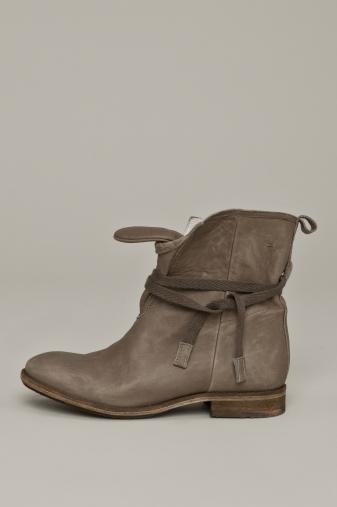 SUNSET boots humanoid