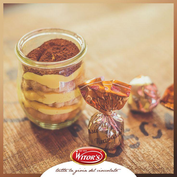 Chi l'ha detto che il tiramisù è solo un dolce al cucchiaio? Prova la pralina al Tiramisù Witor's, un boccone di dolcezza da mordere in ogni momento!