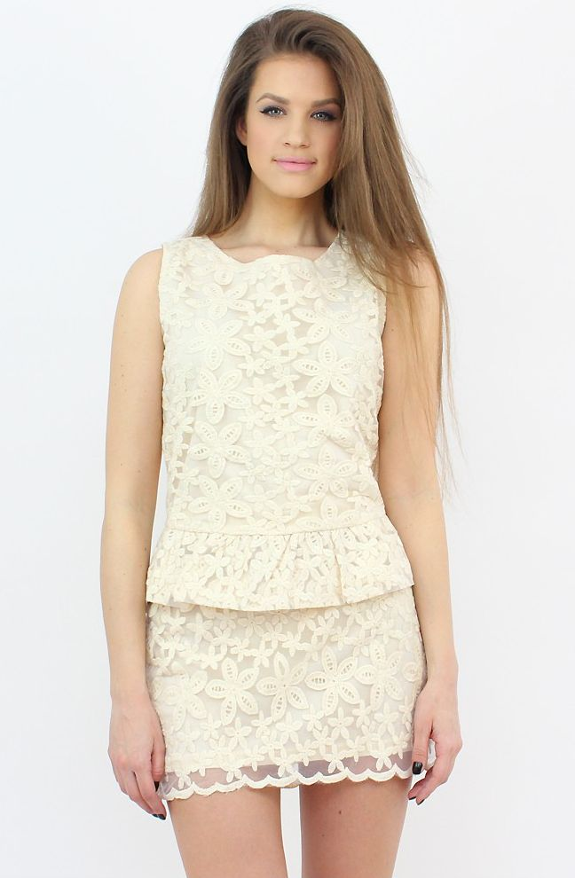 Beige Lace Mini Skirt for an elegant touch...:)  #moda #shopping #haine #skirt #lace #fashion