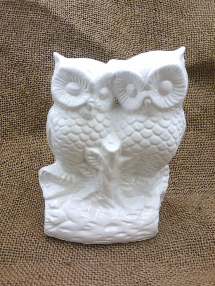 DIY Owl Wedding Cake Topper - Wedding Favours - Use an old knick knack as a wedding cake topper. #upcycledwedding