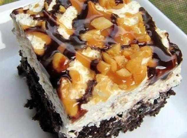 Snickers Cake - HowToInstructions.Us