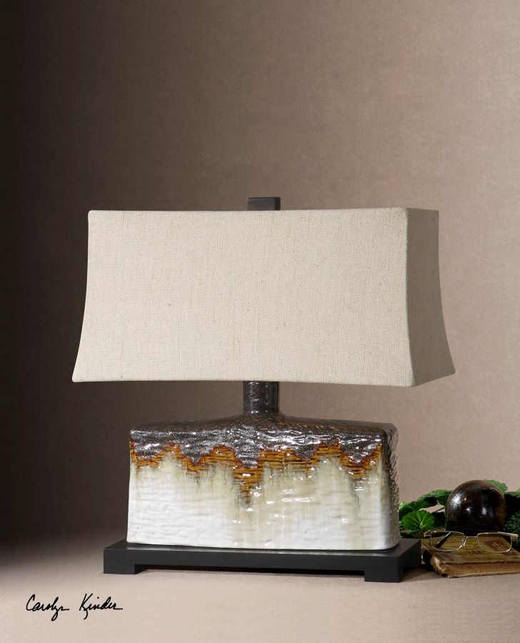 Love the crackled, earthy look of this lamp
