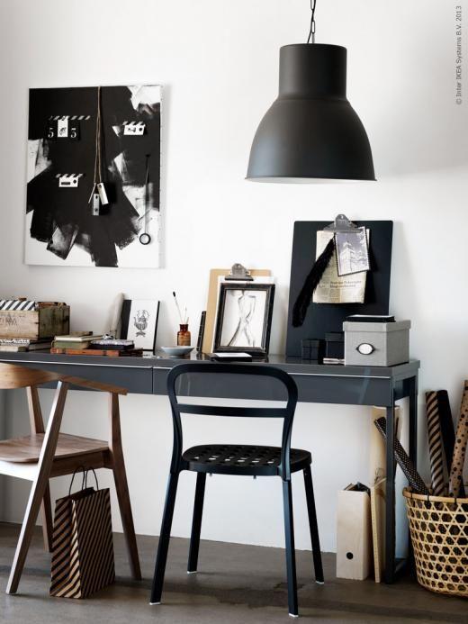 BESTÅ BURS skrivbord med plats för två. Stolarna STOCKHOLM och REIDAR, HÖJDARE kord.