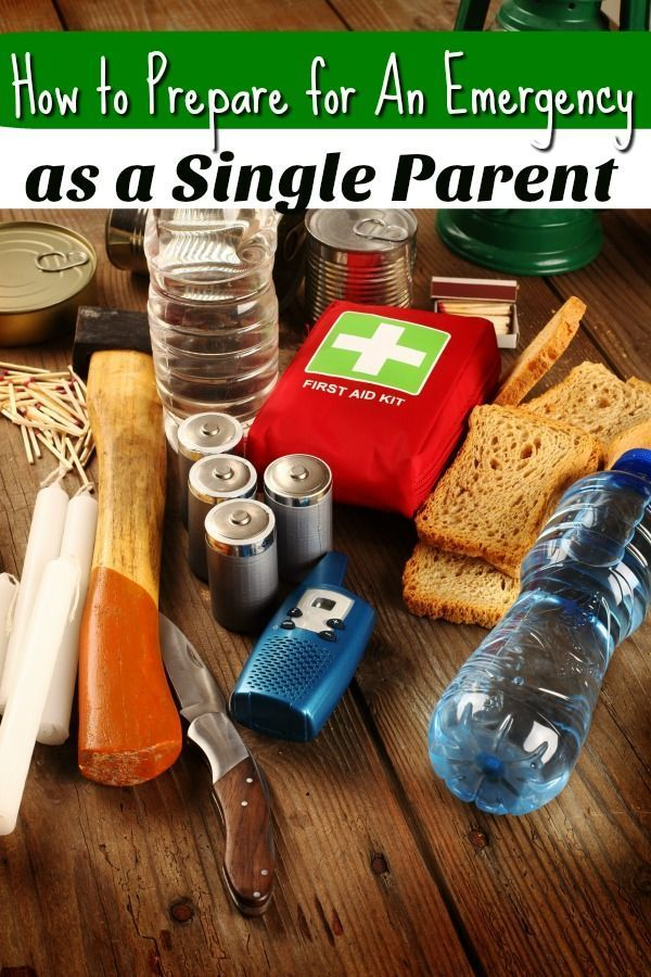 Being a single parent is hard enough without worrying about an emergency. These emergency preparation tips for single parents are a great place to get started preparing for the unthinkable! #PanicAttackKit